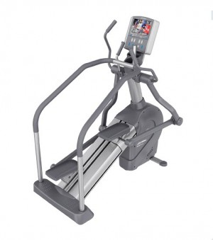 Life Fitness 95Le Summit Trainer w/TV  - Premium Certified Pre-Owned